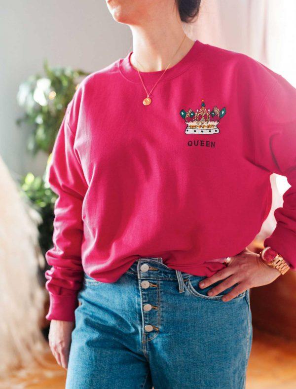 quee sweatshirt 2